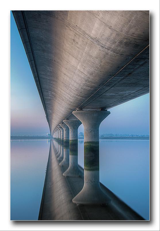Alan Gray - Clackmannan bridge abstract